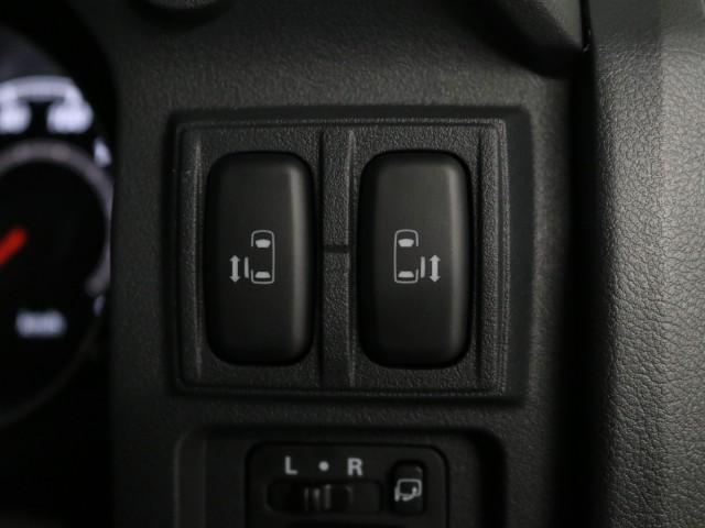 G リミテッドパッケージ 登録済未使用車 8人乗(10枚目)