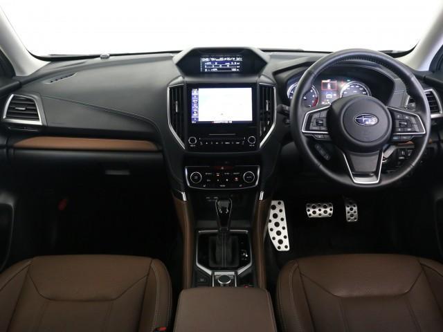 アドバンス 4WD サンルーフ 本革シート ナビTV(15枚目)