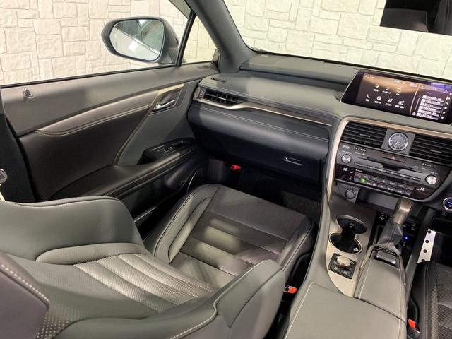 「レクサス」「RX」「SUV・クロカン」「大阪府」の中古車64