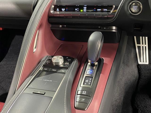 LC500 Sパッケージ 正規品TRDフルエアロKIT 正規品TRDトランクスポイラー オプション21AW CFRPカーボンルーフ カーボンインテリアパネル 電動リアウイング 赤黒コンビベンチレーターシート ビルトインETC(66枚目)