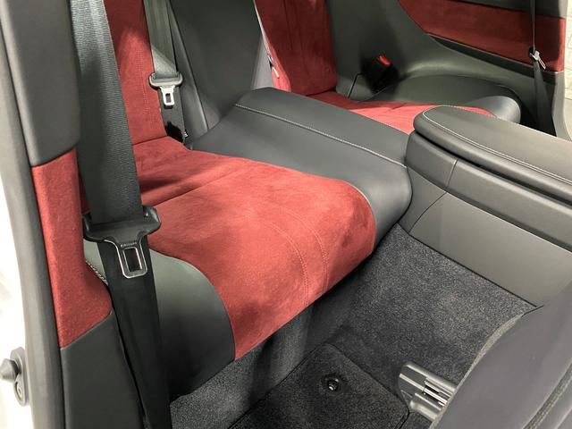 LC500 Sパッケージ 正規品TRDフルエアロKIT 正規品TRDトランクスポイラー オプション21AW CFRPカーボンルーフ カーボンインテリアパネル 電動リアウイング 赤黒コンビベンチレーターシート ビルトインETC(78枚目)