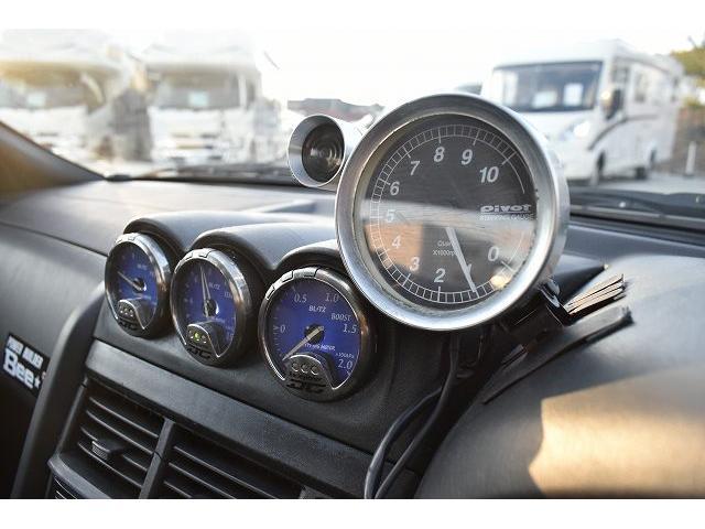 25GTターボ 純正5速マニュアル TEIN車高調 ブリッツブーストコントローラー 3連メーター ブローオフバルブ 柿本マフラー 可変マフラー GT-R用18インチAW(28枚目)