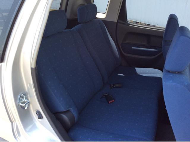 後部座席もご覧下さい。とても綺麗な状態ですよ。一度ご来店頂いて、実際に座って頂けると、良さがもっと伝わるかと思います。