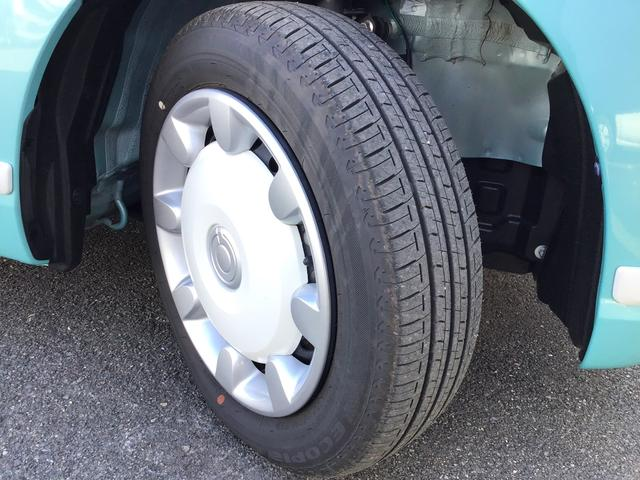 タイヤの山もございます