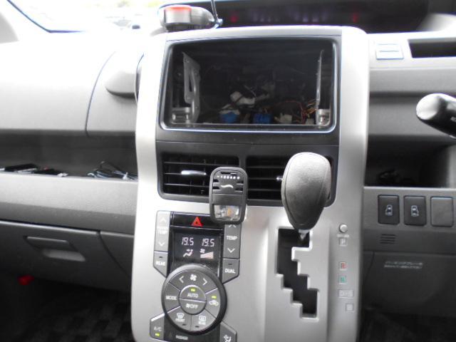 「トヨタ」「ヴォクシー」「ミニバン・ワンボックス」「奈良県」の中古車13