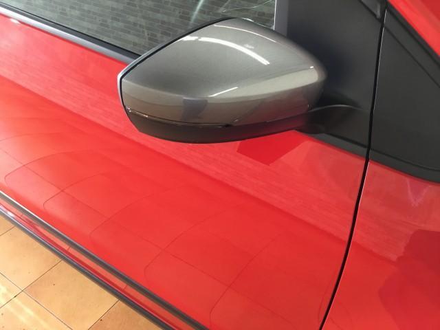 限定車300台・追突回避軽減車・シートヒーター・Bluetooth・ステアスイッチ