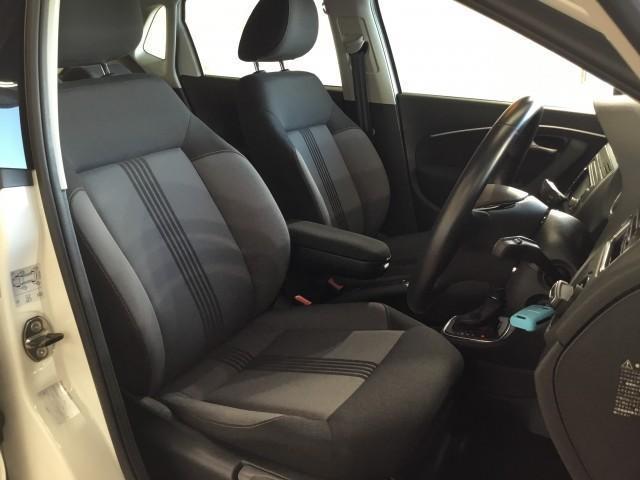 オールスター 限定車・ナビ・フルセグTV・Bluetooth・DVD再生・CD・USB・ETC・フロントアシストプラス・オールスター専用シート・オールスタースカッフプレート・アイドリングスイッチ・(12枚目)
