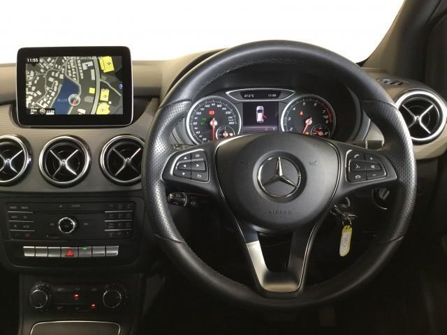B180 セーフティPKG・アダクティブクルーズコンロール・ブラインドスポット・車線逸脱警告車・ナビ・フルセグTV・Bluetooth・DVD再生・CD・USB・ETC・バックカメラ・パドルシフト(9枚目)