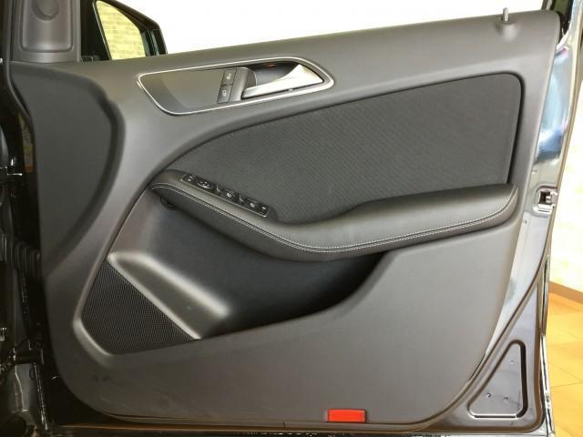 B180 セーフティPKG・アダクティブクルーズコンロール・ブラインドスポット・車線逸脱警告車・ナビ・フルセグTV・Bluetooth・DVD再生・CD・USB・ETC・バックカメラ・パドルシフト(16枚目)