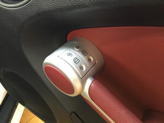 SLK350 ナビ・赤レザーシート・パワーシート・シートヒーター・エアースカーフ・ドライブレコーダー・HIDライト・フォグランプ・コーナーセンサー・ドアミラーウインカー・ETC(14枚目)