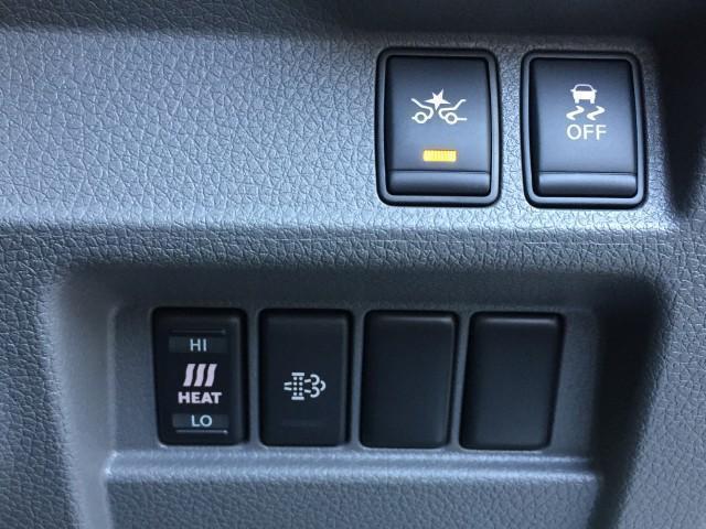 ロングプレミアムGX 登録済み未使用車 アラウンドビューモニター(移動物検知機能つき) エマージェンシーブレーキ LEDヘッドランプ 寒冷地仕様 4WD ディーゼルターボ(10枚目)