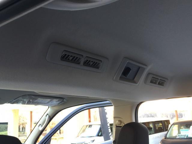 ロングプレミアムGX 登録済み未使用車 アラウンドビューモニター(移動物検知機能つき) エマージェンシーブレーキ LEDヘッドランプ 寒冷地仕様 4WD ディーゼルターボ(12枚目)