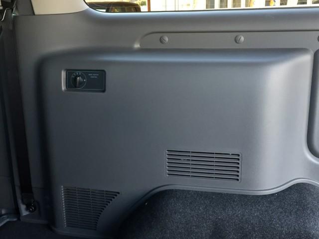 ロングプレミアムGX 登録済み未使用車 アラウンドビューモニター(移動物検知機能つき) エマージェンシーブレーキ LEDヘッドランプ 寒冷地仕様 4WD ディーゼルターボ(13枚目)