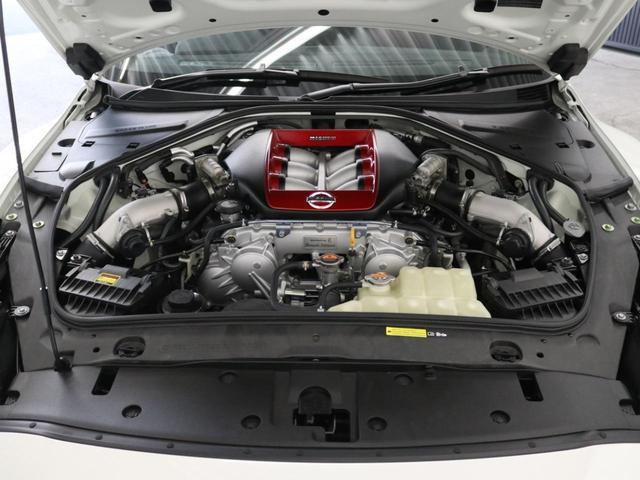 2013年9月30日、ドイツニュルブルクリンクサーキットにおいて、7分8秒679という、それまでNISSAN GT-R自身が持つベストラップを一気に10秒以上短縮するタイムを記録しました。