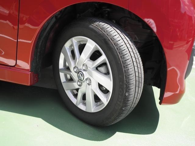 純正アルミホイール!タイヤの溝もたっぷりです!