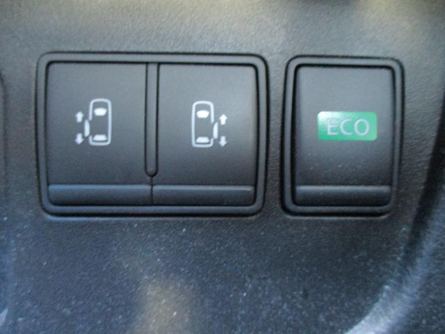 両側電動スライド  ボタンやワンタッチでのドアの開閉ができ便利です