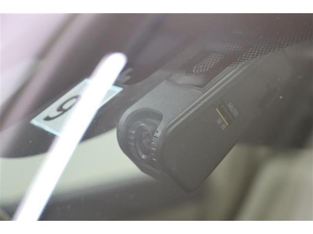ドライブレコーダーは走行中ばかりではなく、駐車中にも能力を発揮します。例えば駐車中に当て逃げをされたり、イタズラなども映像として残ります。証拠としてだけでなく抑止力にもなりますよ。