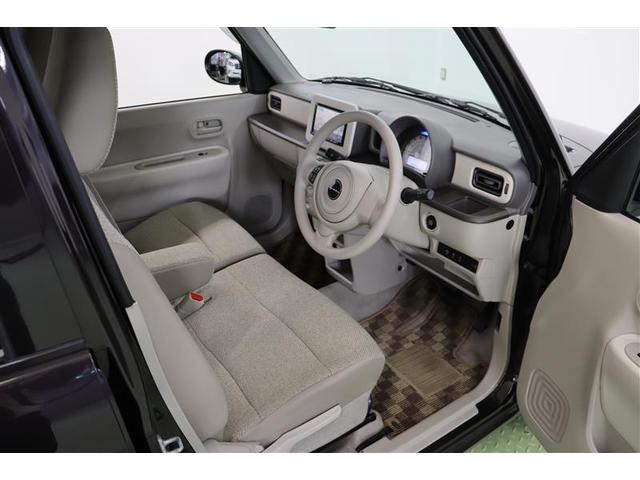 運転席には寒い時期には嬉しい機能、じんわりと身体を温めてくれるシートヒータ付きです。すぐに温かくなるのが嬉しいですね。