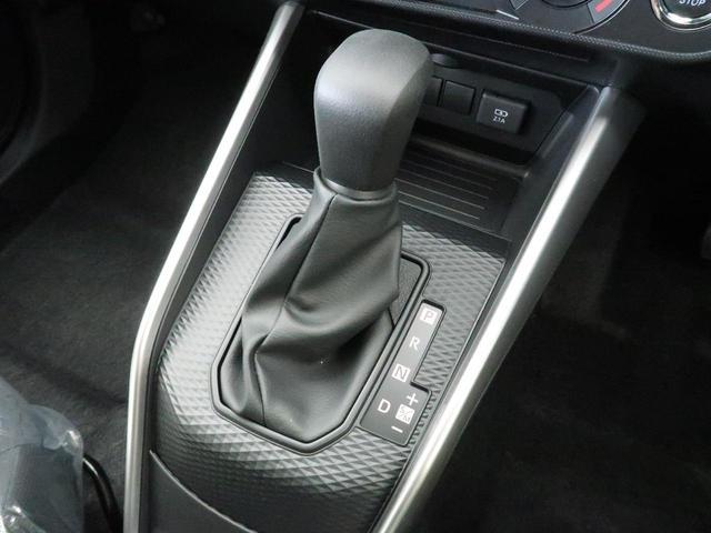 X S ナビレディパッケージ スマートアシスト コーナーセンサー オートハイビーム LEDヘッドライト オートライト バックカメラ ステアリングリモコン アイドリングストップ 横滑防止装置(24枚目)
