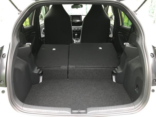 X 純正ディスプレイオーディオ セーフティセンス オートハイビーム オートライト 禁煙車 Bluetooth接続 スマートキー&プッシュスタート 横滑り防止装置(14枚目)