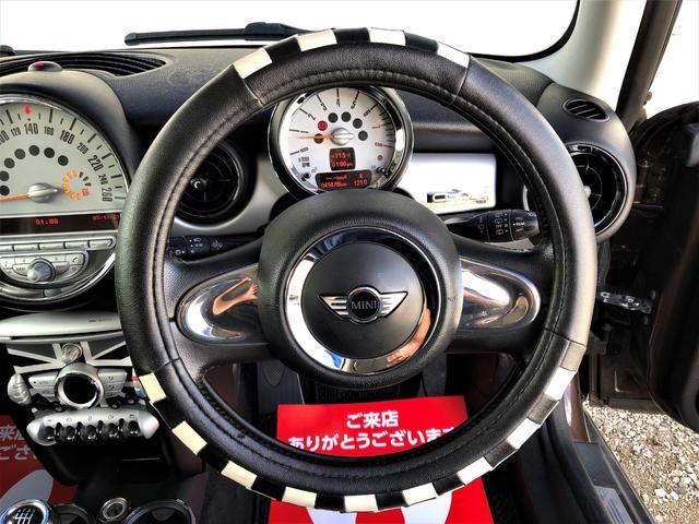 クーパー クラブマン 修復歴なし 49478km 6速MT センターストライプライン 専用シートカバー ドライブレコーダー ETC オートエアコン 17AW(30枚目)