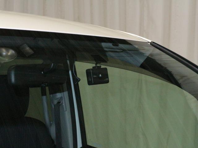 ドライブレコーダーは嬉しい装備の一つですね!