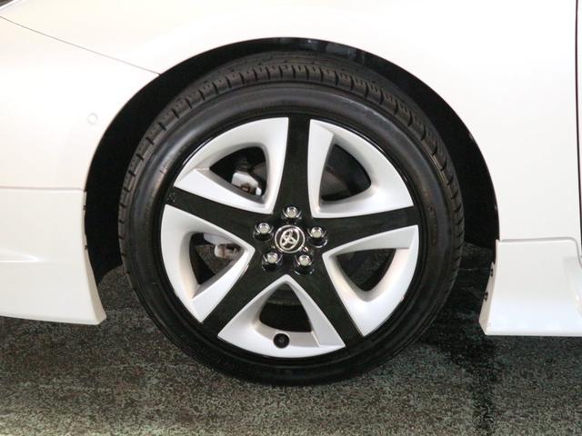 タイヤサイズは、215・45・17インチとなります