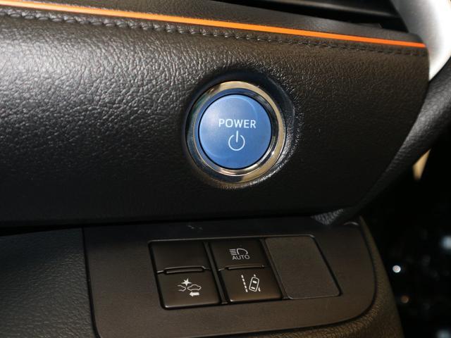 スマートキーですので、ボタンを押すだけでエンジンの始動ができますよ