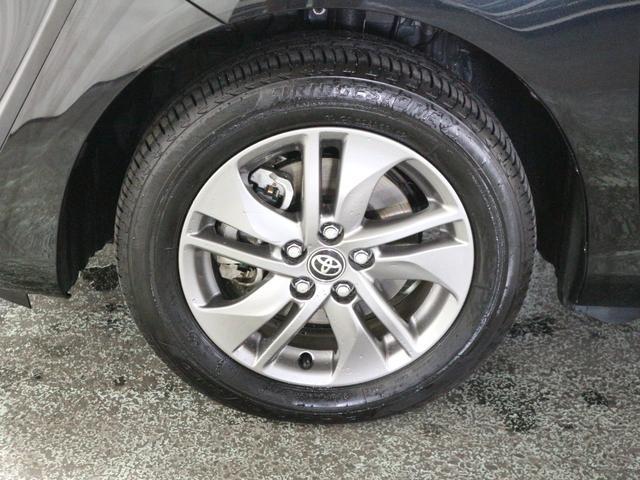 タイヤサイズは、185・60・15インチで、純正アルミホイールも装着されています