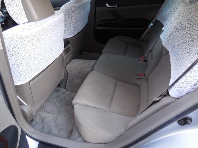 全席に業務用スチーム洗浄器による洗浄&高温殺菌処理を施工。家族が安心して乗れる快適な車内空間を提供致します。