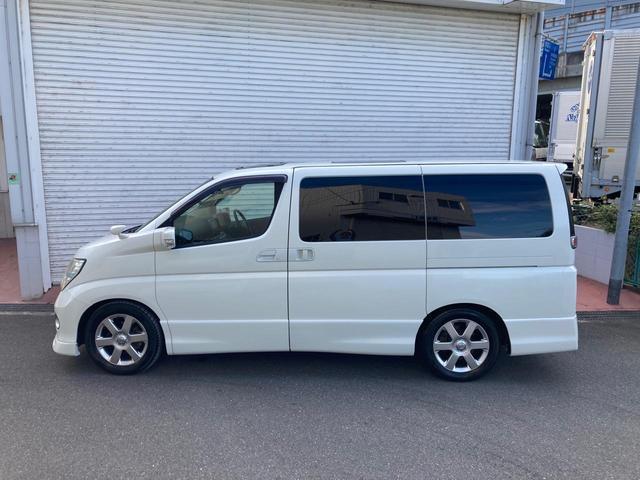 当店の在庫車両は全て内外装クリーニング済みです。快適に気持ち良くご乗車いただく為、見えないところまで徹底洗浄しています。