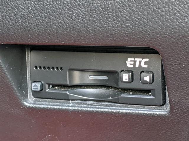 ベースグレード 禁煙1オーナー/純正8インチナビTV/全方位カメラ/Bluetooth/DVD再生/USB/シートヒーター/アダプティブクルーズコントロール/LEDヘッドライト/パドルシフト/ETC(12枚目)