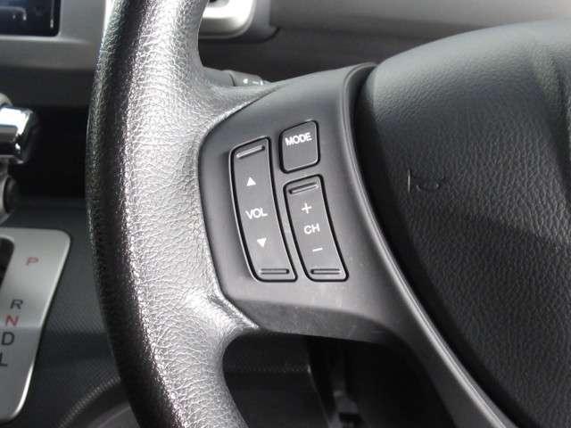★オーディオスイッチを装備★ ステアリングには、オーディオの操作ができるスイッチがついています。手元で操作ができ、安全に運転できます!