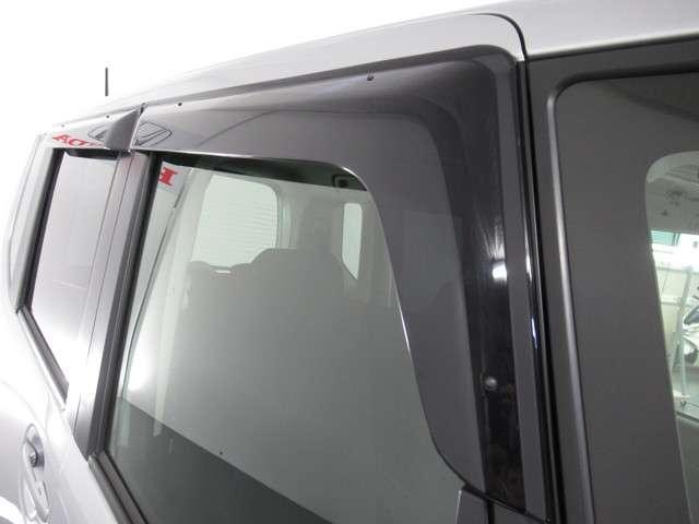 G CDデッキスマトキVSAオートエアコンABS CDデッキ スマートキー オートエアコン ABS 横滑り防止装置 内装ブラック 運転席ハイトアジャスター レベリングヘッドライト ベンチシート プライバシーガラス イモビライザー ドアバイザー(9枚目)