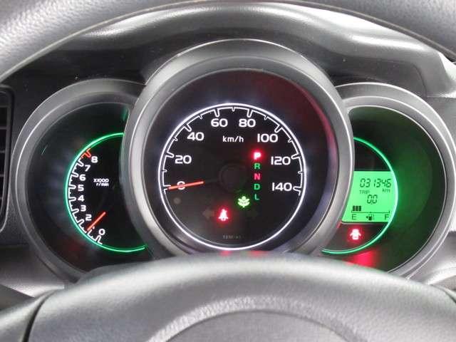 G CDデッキスマトキVSAオートエアコンABS CDデッキ スマートキー オートエアコン ABS 横滑り防止装置 内装ブラック 運転席ハイトアジャスター レベリングヘッドライト ベンチシート プライバシーガラス イモビライザー ドアバイザー(11枚目)