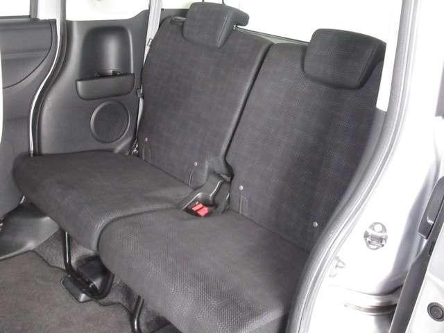 G CDデッキスマトキVSAオートエアコンABS CDデッキ スマートキー オートエアコン ABS 横滑り防止装置 内装ブラック 運転席ハイトアジャスター レベリングヘッドライト ベンチシート プライバシーガラス イモビライザー ドアバイザー(19枚目)