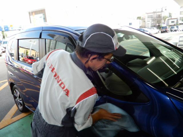 G CDデッキスマトキVSAオートエアコンABS CDデッキ スマートキー オートエアコン ABS 横滑り防止装置 内装ブラック 運転席ハイトアジャスター レベリングヘッドライト ベンチシート プライバシーガラス イモビライザー ドアバイザー(23枚目)