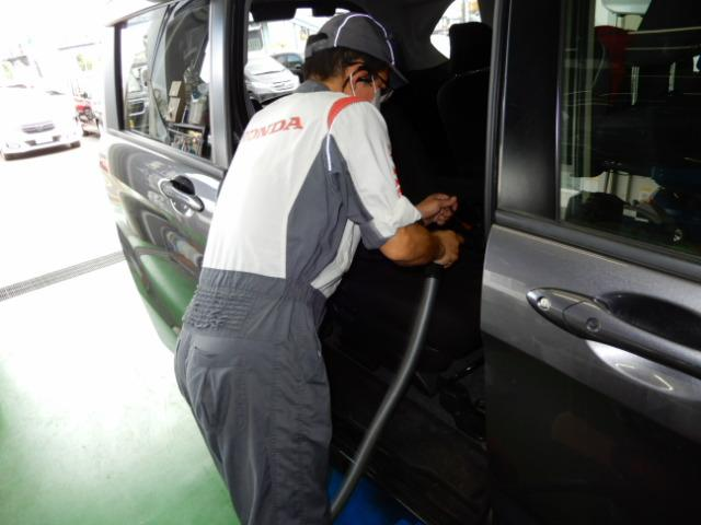 G CDデッキスマトキVSAオートエアコンABS CDデッキ スマートキー オートエアコン ABS 横滑り防止装置 内装ブラック 運転席ハイトアジャスター レベリングヘッドライト ベンチシート プライバシーガラス イモビライザー ドアバイザー(25枚目)