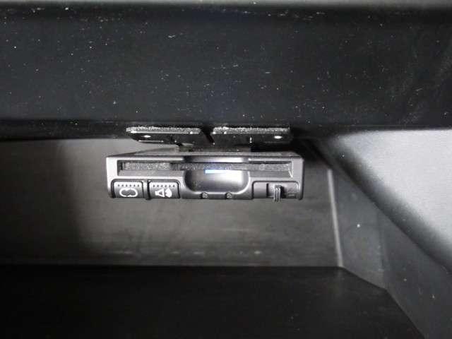 G・ターボLパッケージ iphone対応ナビRカメラ地デジ メモリーナビゲーション バックカメラ 地上デジタルテレビ デイスチャージヘッドライト 両側電動スライドドア 後席シェード パドルシフト クルーズコントロール ETC(6枚目)