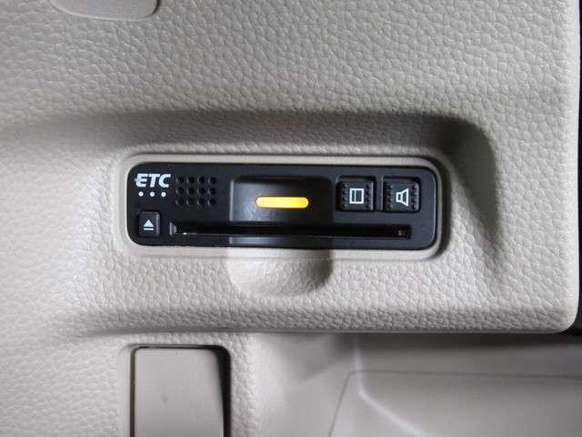 G・Lターボホンダセンシング iphone対応ナビRカメラ メモリーナビゲーション バックカメラ ETC ホンダセンシング LEDヘッドライト 両側電動スライドドア 地上デジタル放送テレビ ワンオーナー車両 後席スライドシート 後席サンシェード 内装アイボリー(7枚目)