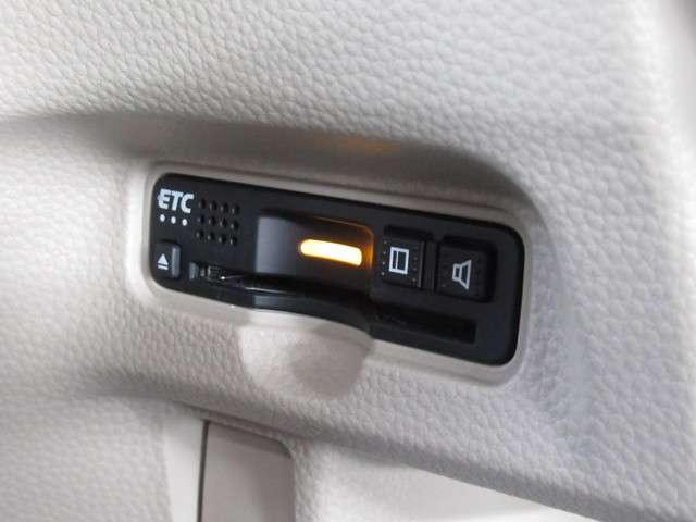 G・Lホンダセンシング iphone対応ナビRカメラ地デジ iphone対応メモリーナビゲーション バックカメラ 地上デジタルテレビ ETC 片側電動スライドドア LEDライト ドライブレコーダー フロントベンチシート 後席シートスライド 内装色アイボリー(7枚目)