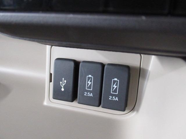 G・Lホンダセンシング iphone対応ナビRカメラ地デジ iphone対応メモリーナビゲーション バックカメラ 地上デジタルテレビ ETC 片側電動スライドドア LEDライト ドライブレコーダー フロントベンチシート 後席シートスライド 内装色アイボリー(11枚目)