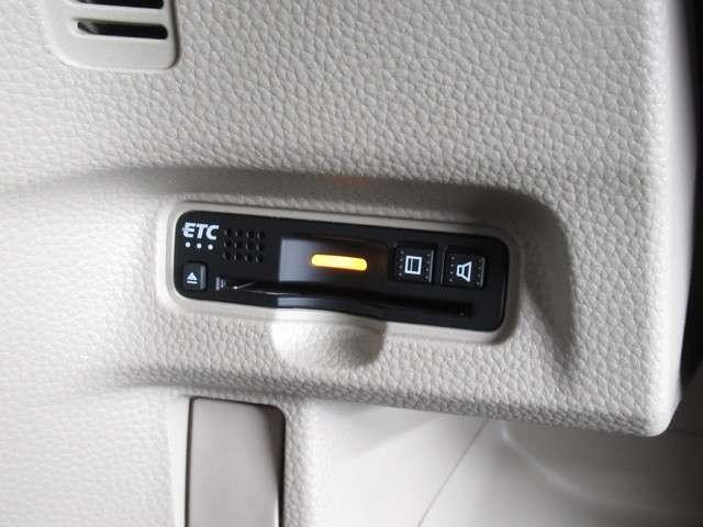 Gホンダセンシング デイスプレイオーデイオETCドラレコ デイスプレイオーデイオ ETC ドライブレコーダー LEDヘッドライト ホンダセンシング ワンセグテレビ スマートキー 後席シートスライド インテリア内装アイボリー フロントベンチシート(9枚目)