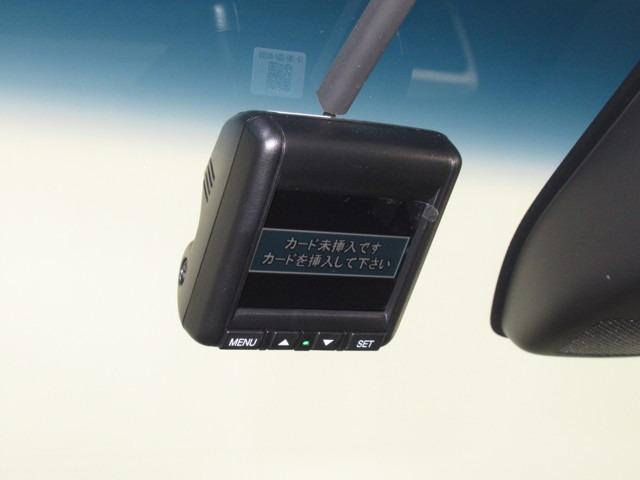 アブソルート・EXホンダセンシング iphone対応ナビ iphone対応メモリーナビゲーション バックカメラ ドライブレコーダー 後席モニター 純正18インチアルミホイール シートヒーター パワーシート 両側電動スライドドア ホンダセンシング ワンオーナー(7枚目)