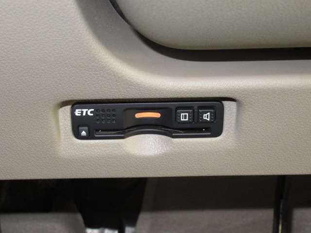 G・L デイスプレイオーデイオRカメラHIDETC ケンウッドDPX6170BTディスプレィオーデイオ バックカメラ デイスチャージヘッドライト ETC USBジャック 運転席ハイトアジャスター ベンチシート 電動サイドブレーキ 内装色アイボリー(6枚目)