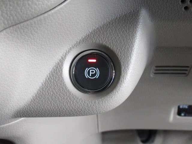 G・L デイスプレイオーデイオRカメラHIDETC ケンウッドDPX6170BTディスプレィオーデイオ バックカメラ デイスチャージヘッドライト ETC USBジャック 運転席ハイトアジャスター ベンチシート 電動サイドブレーキ 内装色アイボリー(7枚目)