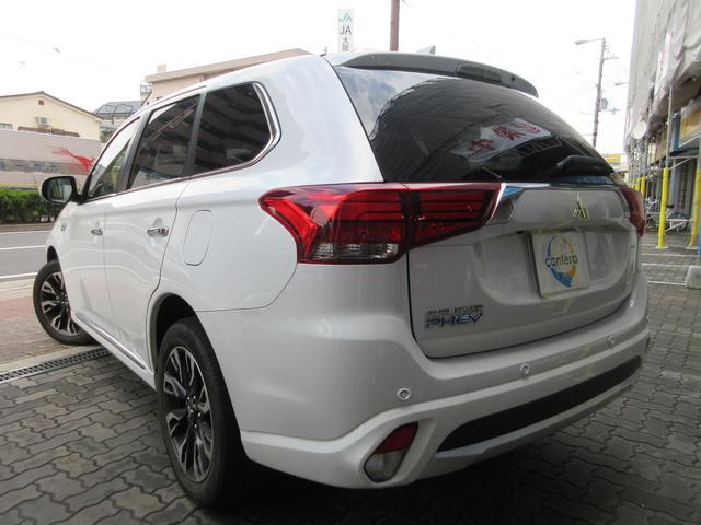 「三菱」「アウトランダーPHEV」「SUV・クロカン」「大阪府」の中古車3