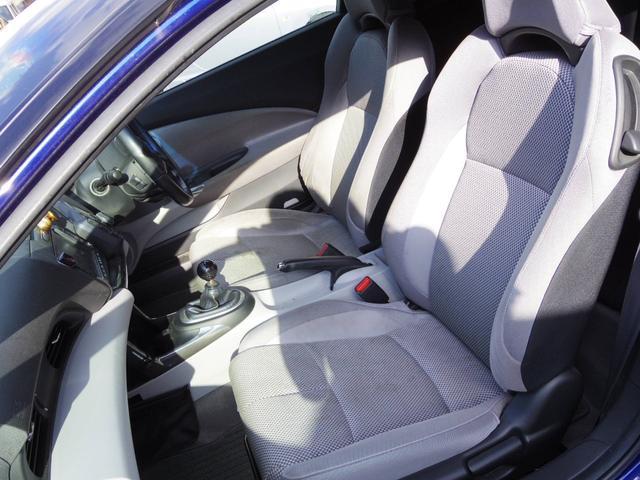 運転席側シート 使用感少なく綺麗な状態です 破れ等ございません 室内ルームクリーニング中 清潔感のある車内が保たれております シートカバー取付等も承れます