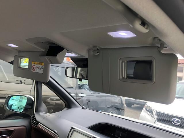 「トヨタ」「エスクァイア」「ミニバン・ワンボックス」「大阪府」の中古車35