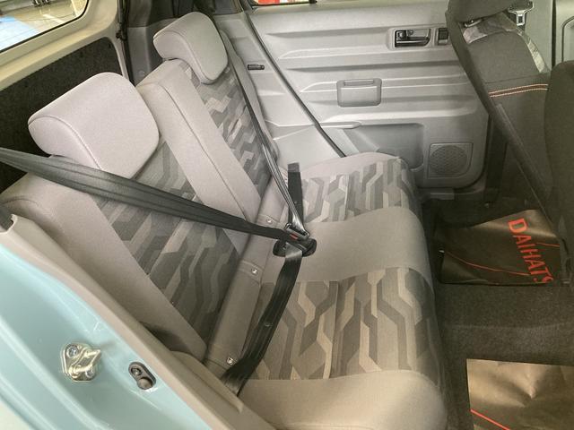 Gターボ 4WD LEDヘッドランプ オートライト オートエアコン 運転席・助手席シートヒーター アルミホイール(6枚目)
